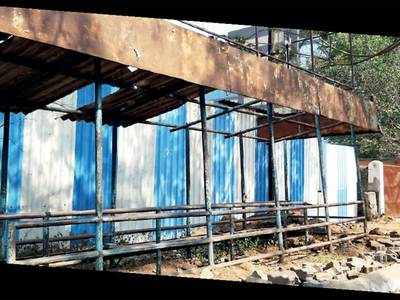 Bhosari MIDC bus stop leaves commuters irate