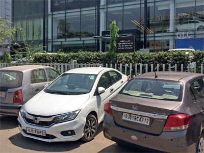 Ahmedabad: Parking woes at visa centre