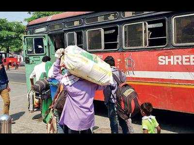 Vishrantwadi cops send migrants to MP via buses