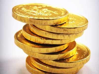 Gold prices decline Rs 281, silver drops Rs 712