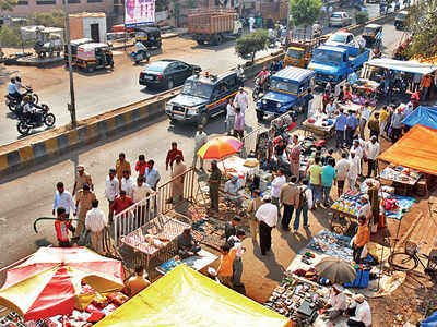 Do you think it is a good idea to keep Juna Bazaar open seven days a week?