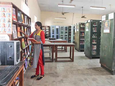 E-books leave college libraries deserted