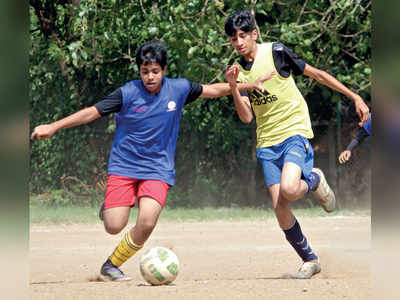 Mumbai: Aditya Birla coach Amstel D'Souza calls out referees for depriving his players from spending regular time at Azad Maidan
