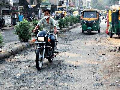 Nightmare of broken roads spooks Vejalpur