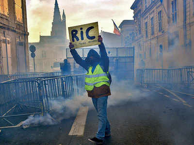 Clashes erupt in France as 'yellow vests' protest