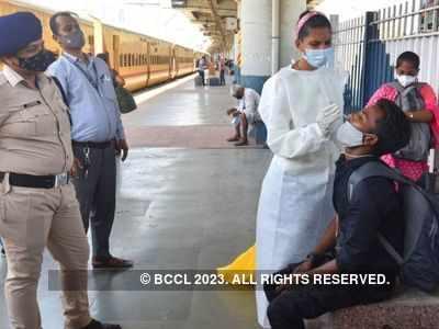 COVID-19 Tracker: Dharavi records 62 positive cases