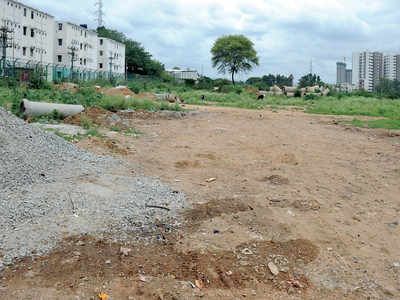A tale of 4 storeys on lake buffer zone