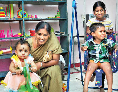 Every ward in city will have a crèche, old-age home, and hostel for women