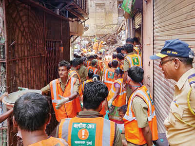 Dongri bldg collapse: BMC wants MHADA to act on cessed building violations