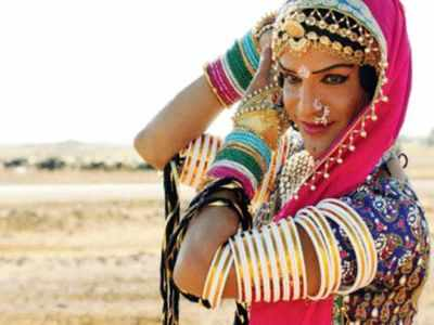 Rajasthan: Famous folk dancer Queen Harish,three others killed in an accident
