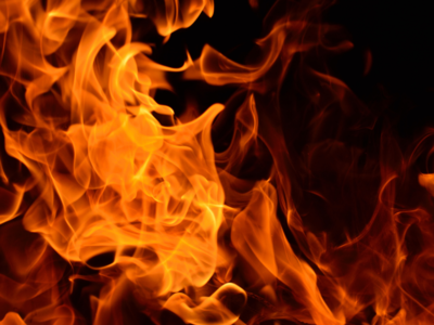 Shocking! Lover sets girlfriend ablaze; dies after she hugs him tight