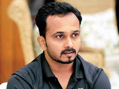 Kedar Jadhav set to travel with the team for WC