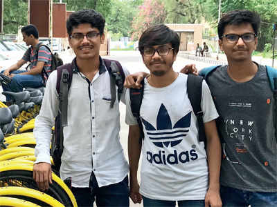 Students stopped in their tracks after cycle sharing company shuts operation