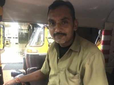 This Mumbai auto driver is winning the internet; Here's why