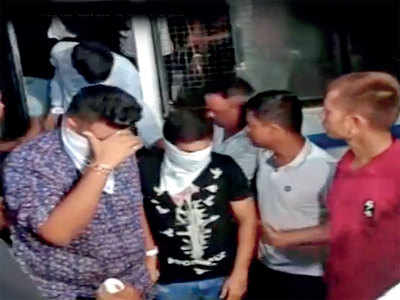 Booze party by engg students busted