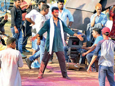 Fight breaks out on the sets of Sharman Joshi's film