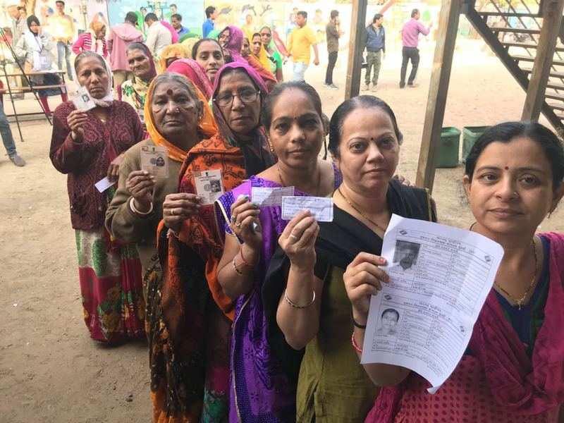 In pics: Gujarat Polls Phase 2: Amit Shah, Narendra Modi, Bharatsinh Solanki cast their votes