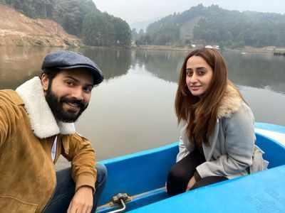 Varun Dhawan, Natasha Dalal enjoy boat ride in Arunachal Pradesh