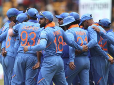 India vs Australia 3rd ODI: Indian team members wear black arm bands to honour late Bapu Nadkarni