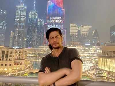 Inside Pics: Shah Rukh Khan hosts a birthday party for close friends and family in Dubai