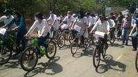 Surat: Medical college teachers take out cycle rally to press for pay hike