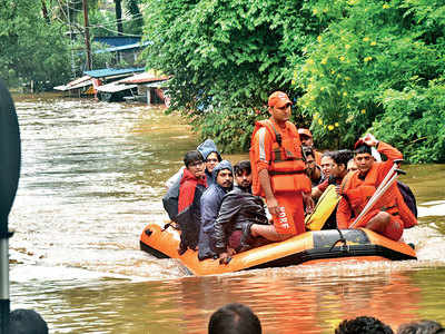 Floods in western Maha claim 144 lives, lakhs are displaced