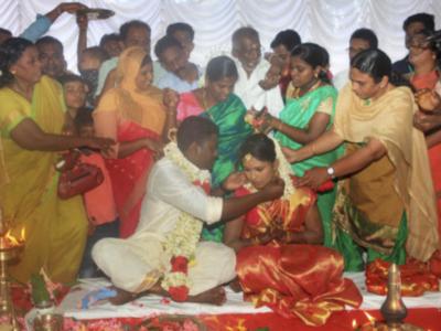 Kerala: Mosque turns venue for Hindu wedding, netizens shower praise