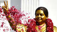 Jayalalithaa statue row: DMK files complaint against AIADMK