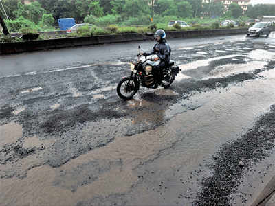 SIT names 65, including 4 BMC engineers, in Rs 35-cr road scam case