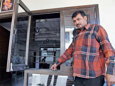 Chandkheda house burgled, Rs 15 lakh gone while occupants were away