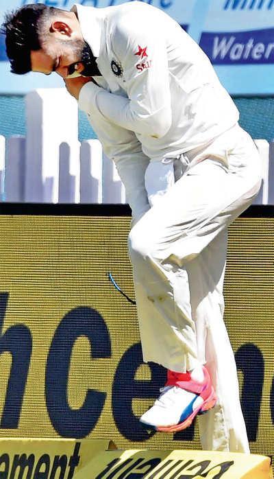 Kohli out,India clueless
