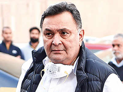 Rishi Kapoor now in Mumbai hospital