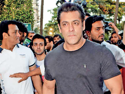 What would be a good birthday gift for Salman Khan?