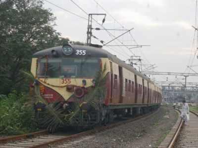 Navi Mumbai: Local train derails between Thane and Airoli on Trans-Harbour line