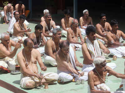 Who is a hindu? King's Brahmins