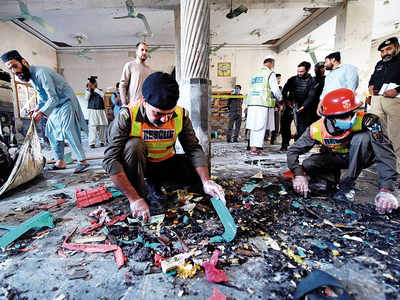 8 killed, 136 injured in blast at Pak seminary