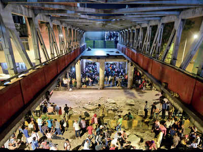 Court pulls up BMC and railways over CSMT crash