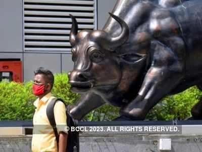 Sensex above 52K mark, banking and financial stocks gain