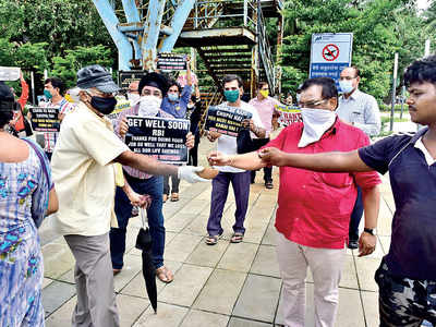 PMC Bank depositors protest near CM's house