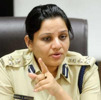 Sasikala prison row: Karnataka government transfers DIG Roopa who exposed VIP culture in Bengaluru jail