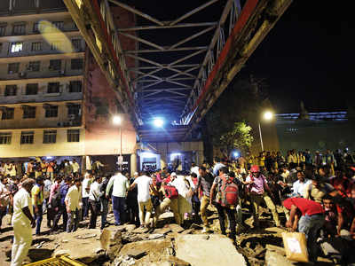 CSMT FOB collapse: Bail plea of auditor, BMC engineers rejected