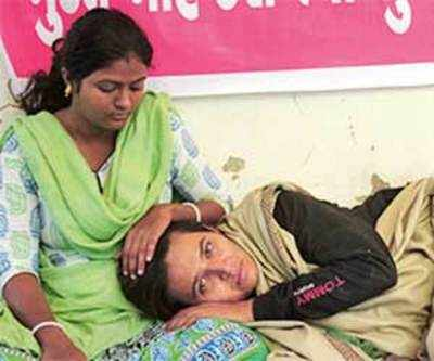 Reshma, 2 aides end fast