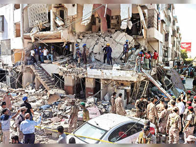 At least five killed, 20 injured in Karachi building explosion