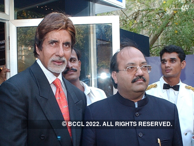 Amar Singh apologises to Amitabh Bachchan; says he is 'fighting a battle of life and death'
