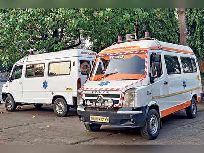 Man awaiting ambulance dies, another waits 12 hrs