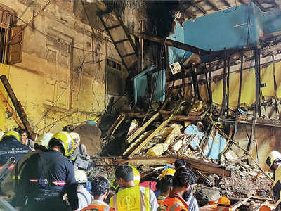 Kesarbai building collapse: Contractor charged with culpable homicide