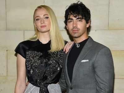 Photos: Joe Jonas and Sophie Turner enjoy their honeymoon in the Maldives
