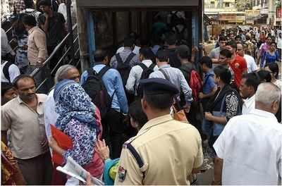 Mumbai Local: Kya hua tera vaada? Kandivali FOB reconstruction delayed by three months