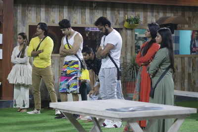 Bigg Boss 12 Day 67: Megha Throws a Shoe at Deepak