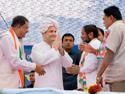 Gujarat Elections 2017: Rahul Gandhi promises loan waiver for farmers if Congress wins polls